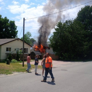 No injuries are reported after fire ripped through a house in Orillia, Ont. on Friday, June 24, 2016. (Dave Matthew/ Facebook)