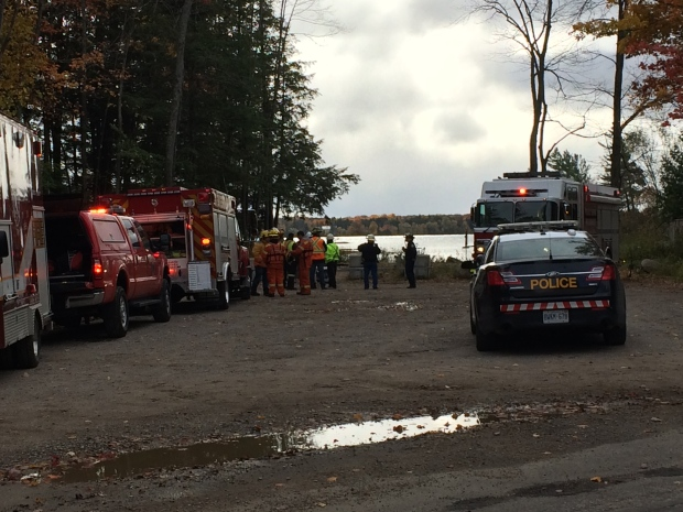 Emergency crews search Lake Couchiching after a hunter went missing on Oct 22, 2016 (CTV Barrie Joe Mattenenley)